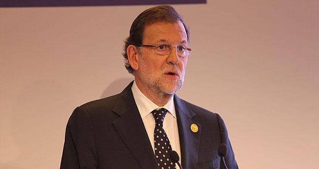 İspanya Başbakanı Rajoy'a fiziksel saldırı