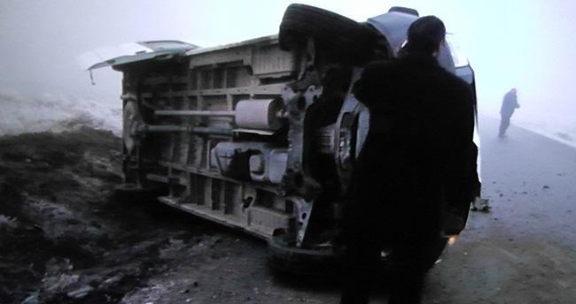 Konya'da öğrenci taşıyan minibüs devrildi : 6 yaralı