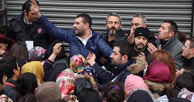 Konya'da 1 Liralık Kıyafet İzdihamı