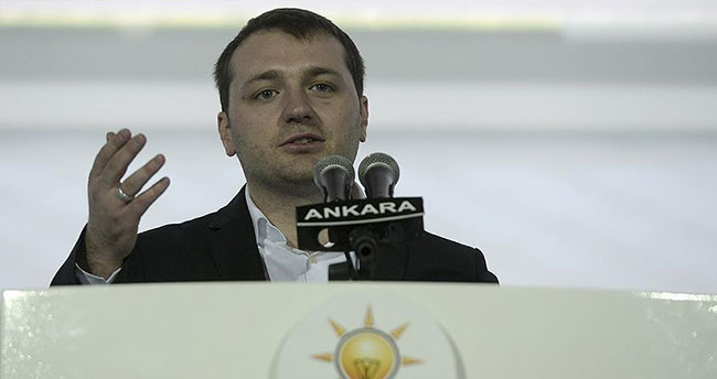 AK Parti Gençlik Kolları Başkanlığı'na Ecertaş seçildi