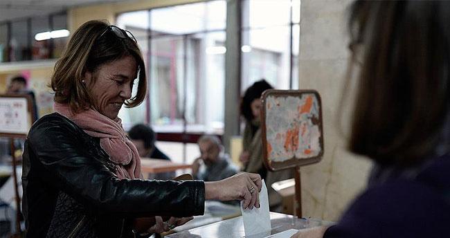İspanya genel seçiminde oy kullanma işlemi başladı