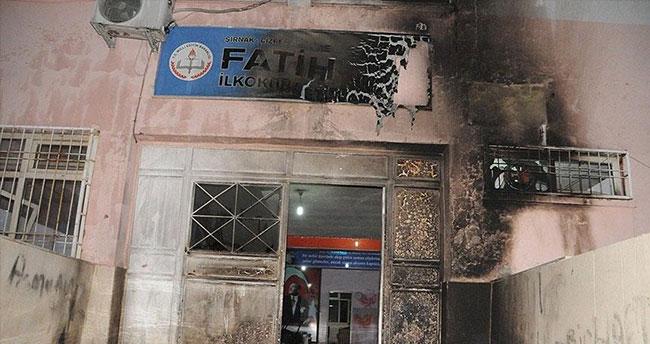 Şırnak Valisi Su: Teröristler Cizre ve Silopi'de 6 okula saldırdı