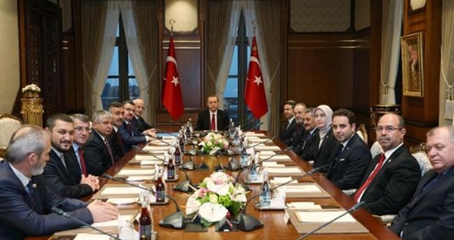 Erdoğan: Adam bazukayla Meclis'e geliyor