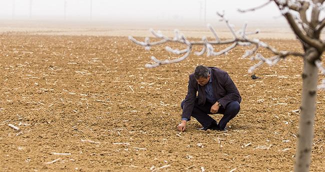 Kışın kurak geçtiği Konya Ovası'nda kar umudu