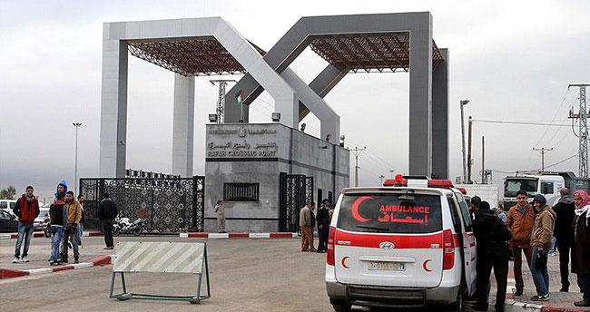 Refah Sınır Kapısı 'istisnai' olarak açıldı