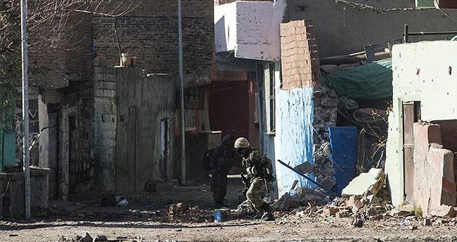 PKK'ya bir darbe daha! 296 terörist öldürüldü