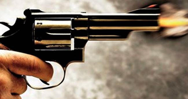 Diyarbakı'da kadın öğretmen seken mermiyle başından vuruldu!