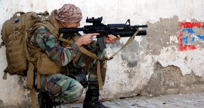 Diyarbakır'da çatışma ve patlama : 4 asker yaralandı