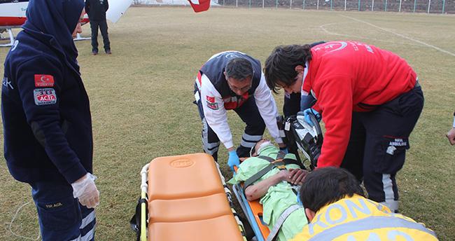 Kazada yaralanan genç helikopterle Konya'ya nakledildi