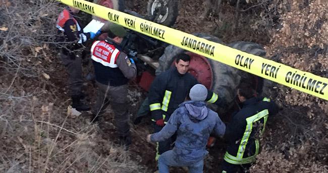Konya'da devrilen traktörün altında kalan sürücü öldü