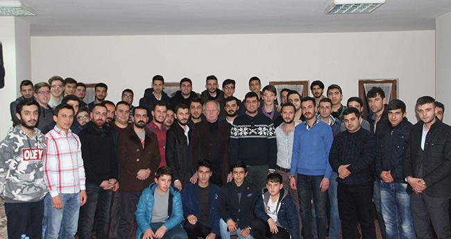 AK Partili gençler Mehmet Akif'i andı