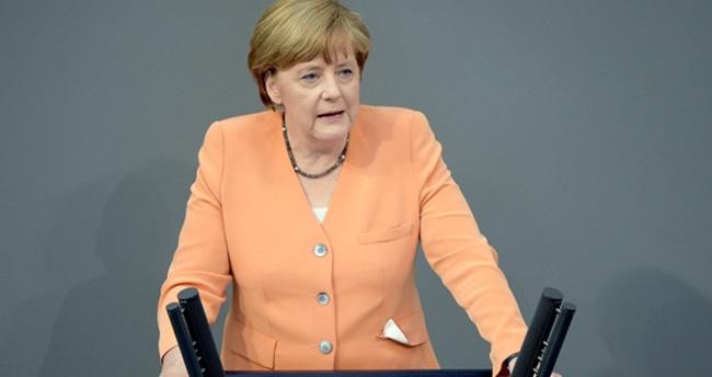 Merkel'den patlama sonrası ilk açıklama