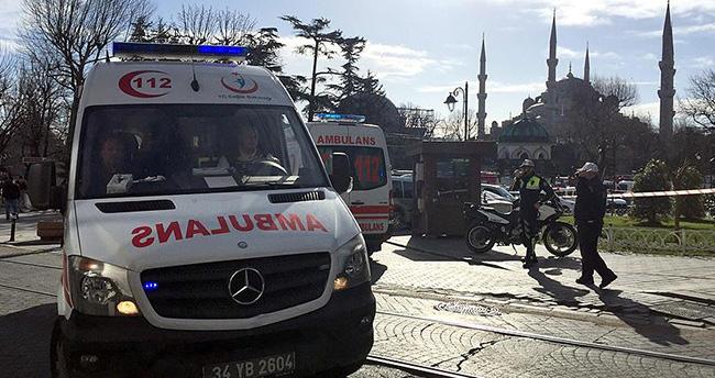 Sultanahmet'teki patlamada yaralılar hastaneye kaldırılıyor