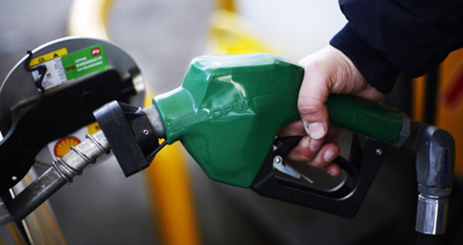 Benzine indirim, otogaza zam!