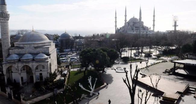 Erdoğan, Davutoğlu ve Görmez Sultanahmet'te Cuma Namazı Kılacak