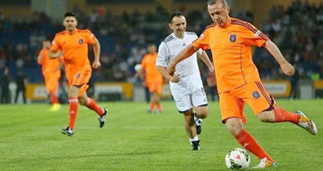 Şili Dışişleri Bakanı Munoz'dan Cumhurbaşkanı Erdoğan'a maç daveti