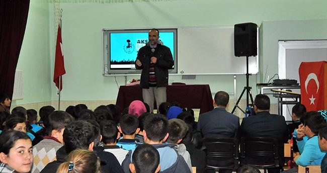 Akşehir'de yazar buluşmaları sürüyor