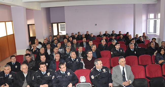 Polise beden ve işaret dili eğitimi verildi