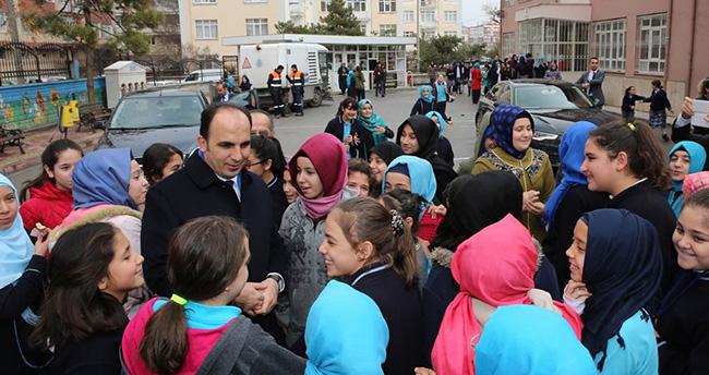 Uğur İbrahim Altay öğrencilerle buluşuyor