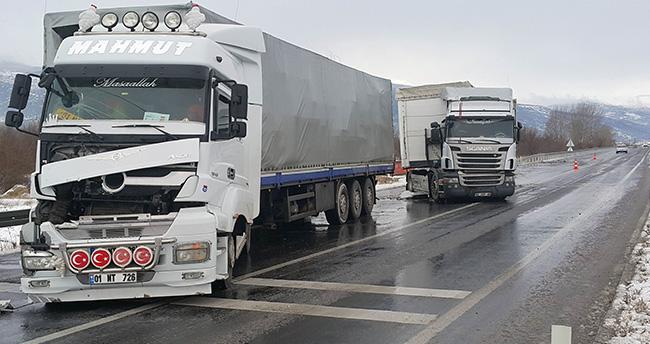Akşehir'de iki tır çarpıştı:1 yaralı