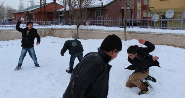 Konya'nın Hüyük ilçesinde eğitime kar engeli