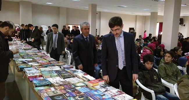 Emirgazi'de kitap fuarı açıldı