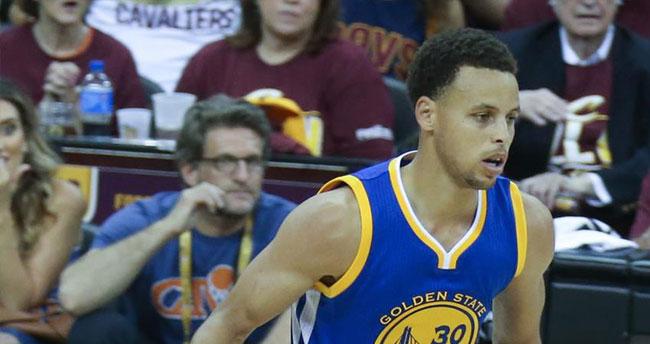 NBA'de en çok forması satılan oyuncu Curry