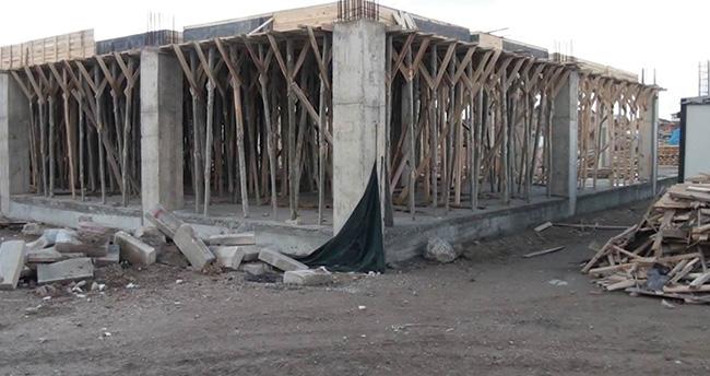 Çumra'da Şehir Meydanı Projesi çalışmaları sürüyor
