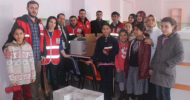 Kızılay'dan Konya'ya kitap bağışı