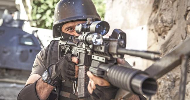 PKK'nın sniperini Bordo Bereliler indirdi