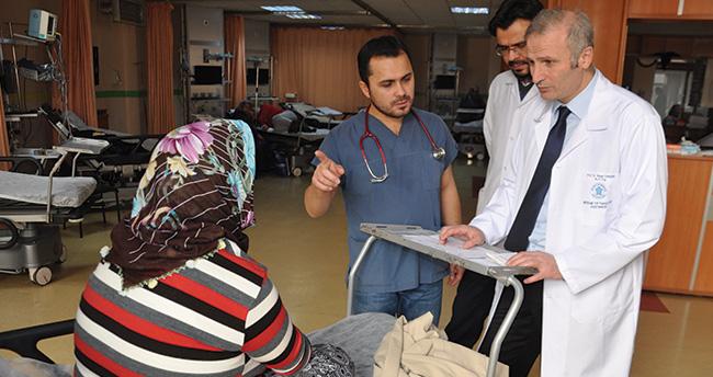 200 doktor adayından 1'i acil tıp uzmanı olmak istiyor