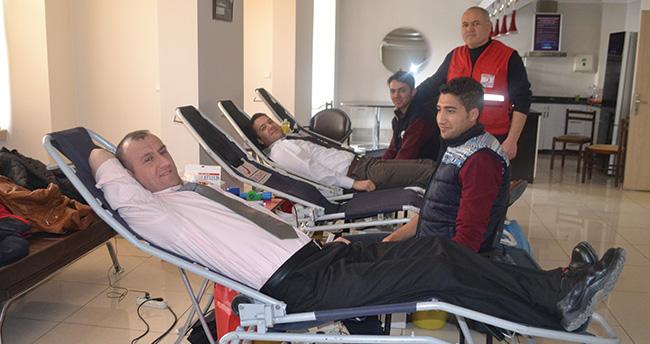 MEDAŞ ve MEPAŞ çalışanlarından kan bağışı