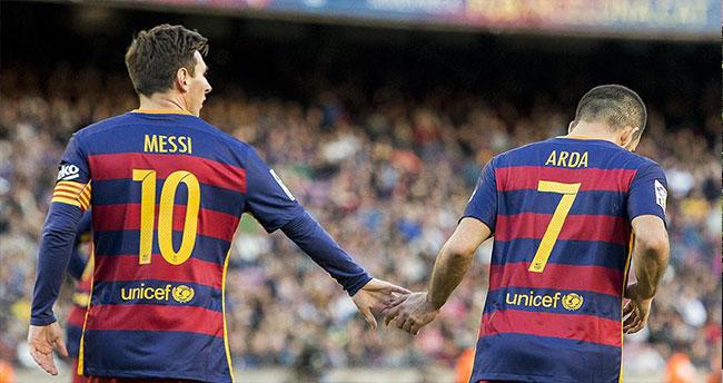 Arda'lı Barcelona yine kazandı