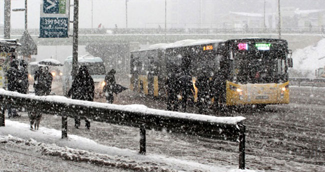İstanbul'da kar yağışı sürecek