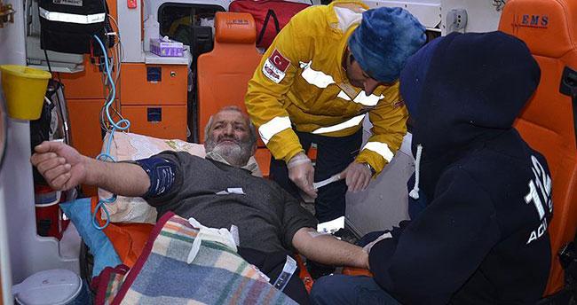 Yüksekova'da kar yüzünden mahsur kalan hasta kurtarıldı