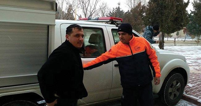 Konya'da tır şoförü donmak üzereyken kurtarıldı