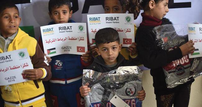 Konya'dan Gazze'ye giysi yardımı