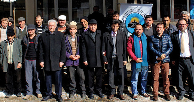 Akşehir'de yörükler çilek ve kiraz üretiminde konusunda bilgilendirildi