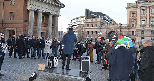 İsrail'in tepki gösterdiği İsveçli bakana destek eylemi