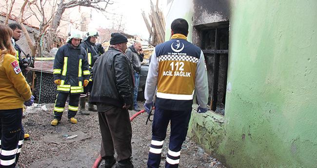 Konya'da yaşamını oksijen tüpüne bağlı sürdüren kız çocuğu yangında öldü