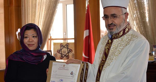 Konya'da yaşayan Japon kadın Müslüman oldu