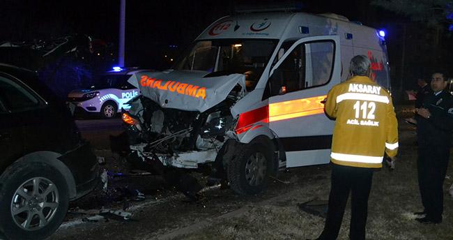 aksarayda-ambulans-ile-otomobil-carpisti-4-yarali-2