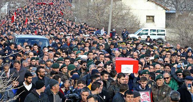 Şehit polis Büyükpoyraz son yolculuğuna uğurlandı