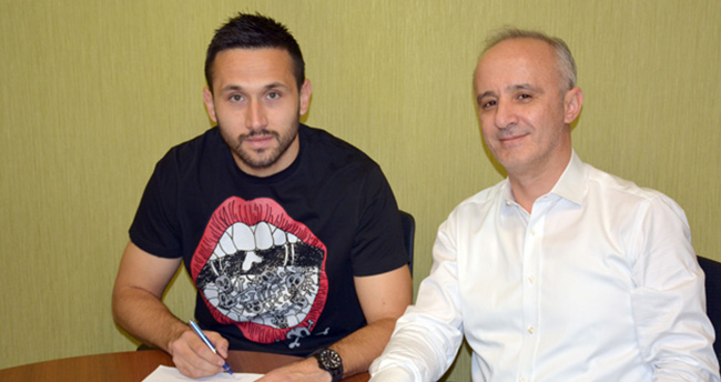 Torku Konyaspor'da Jagos Vukovic 3,5 yıllık yeni sözleşme imzaladı
