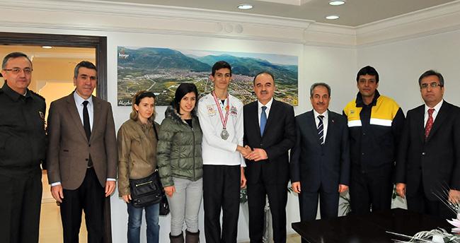Vali Muammer Erol Akşehir'i ziyaret etti