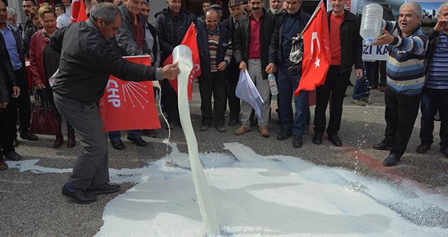 Balıkesir'de Süt Üreticilerinden Eylem
