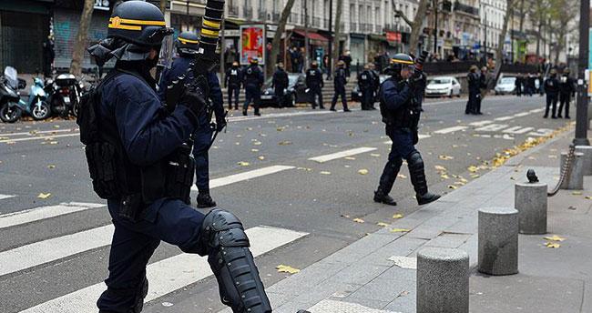 Fransa'da olağanüstü hal 26 Mayıs'a kadar uzatıldı