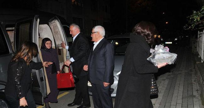 Kenan İmirzalıoğlu ailesiyle birlikte Sinem Kobal'ı istedi