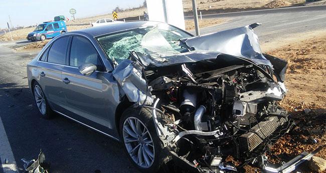 Konya'da traktör ile otomobil çarpıştı: 4 yaralı