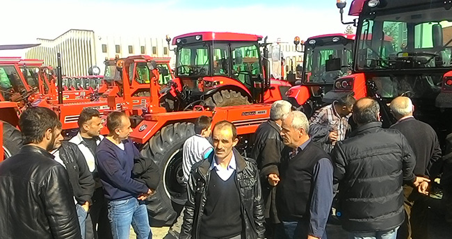 Konyalı çiftçiler Tümosan'ı gezdi